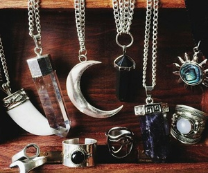 grunge, necklace, and moon image