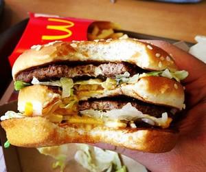 food, hamburger, and McDonalds image