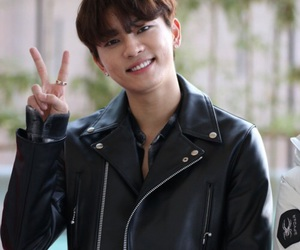 kpop, leegeon, and mad town image