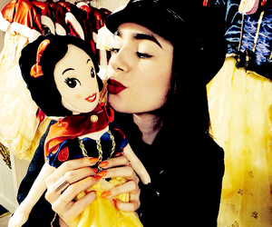 lily collins, lily, and icon image