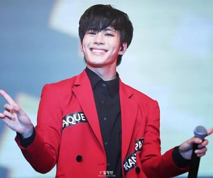 k-pop, vixx, and hongbin image
