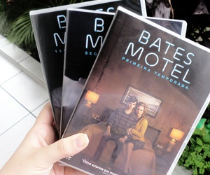 bates motel, vera farmiga, and freddie highmore image