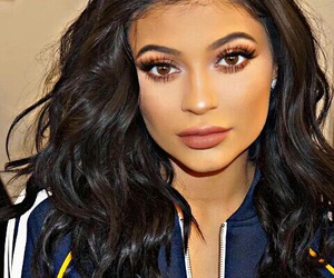 beauty, kyliejenner, and glam image