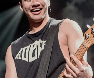5 seconds of summer, 5sos, and calum image
