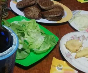 alcohol, hamburguesa, and carne image