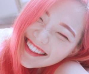korean, pink hair, and ulzzang image