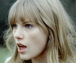 Taylor Swift and safe & sound image