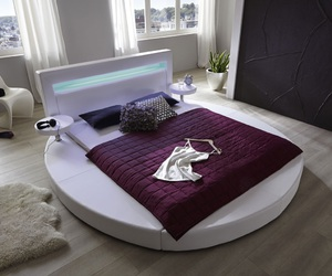 Bett, home, and lifestyle image