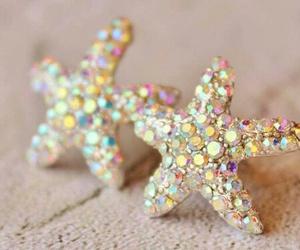 starfish and jewelry image