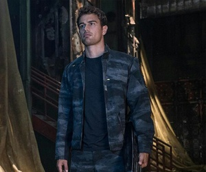 theo james and allegiant image