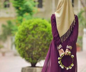 hijab and flower image