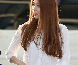 after school, kaeun, and airport fashion image