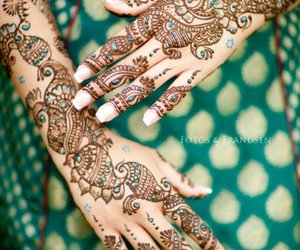green and henna image