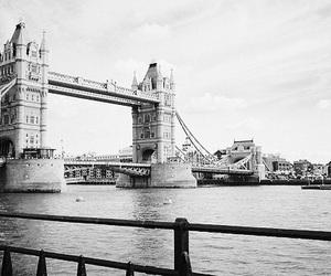 london, bridge, and city image