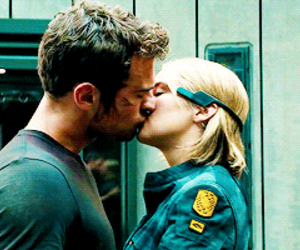allegiant and fourtris image