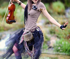 lindsey stirling, violin, and violinist image