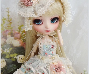 doll and pullip doll image