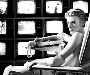 david bowie and the man who fell to earth image
