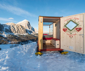 cabin, tiny, and mountains image