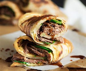 beef, pancakes, and scallion image