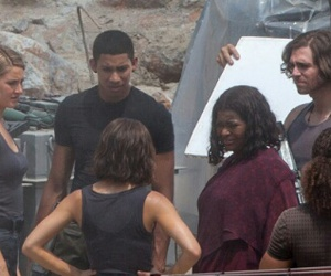 behind the scene, on set, and allegiant image