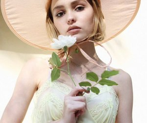 lily rose depp and rose image