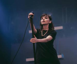 her, martin doherty, and lauren mayberry image