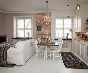 room and white image