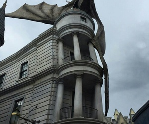 dragon, harry potter, and gringotts image