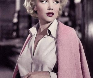cine and Marilyn Monroe image