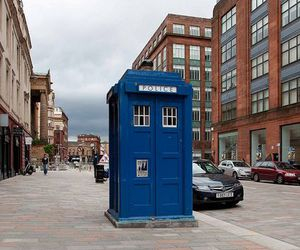 city, doctor who, and futuristic image