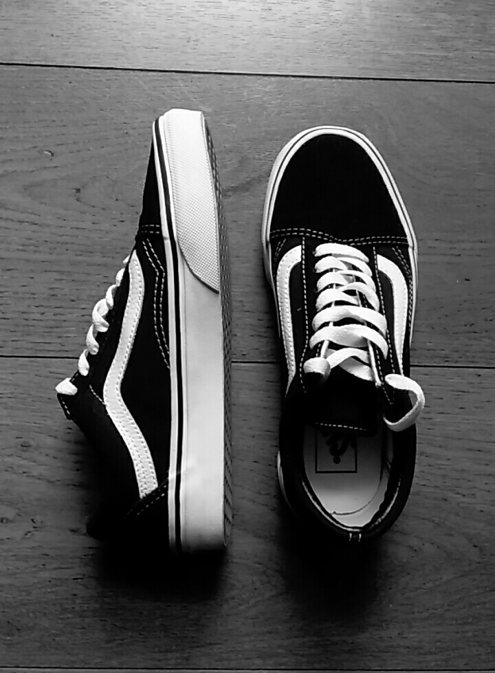 black and white, vans old school, and fashion image