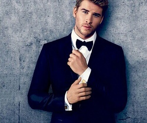 liam hemsworth, Hot, and sexy image