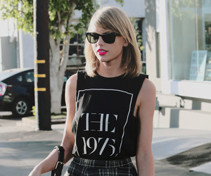 Taylor Swift and the 1975 image
