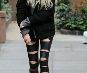 Taylor Momsen, black, and style image