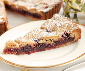 cranberry, crust, and tart image