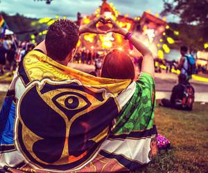 tomorrowland, festival, and couple image
