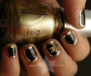 chanel and nailart image