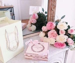 flowers, girly, and luxury image