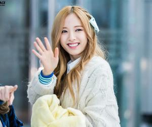 bona, 보나, and kim jiyeon image