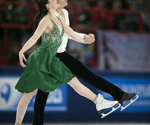 couple, ice skating, and symbiose image