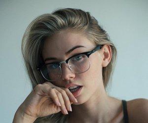 scarlett leithold, glasses, and model image