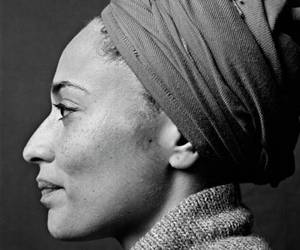 black and white, people, and zadie+smith+ image
