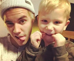 justin bieber, jaxon bieber, and brothers image