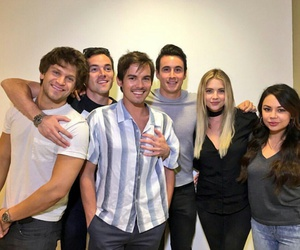 pretty little liars, pll, and cast image