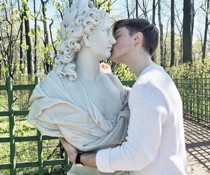 boy, kiss, and statue image