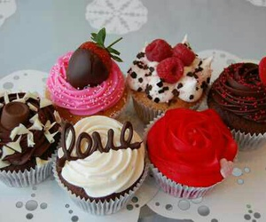 chocolate, cream, and cupcake image