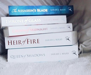 books, throneofglass, and heiroffire image