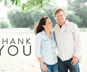 fixerupper, magnolia market, and chip and joanna gaines image