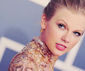 2012, beautiful, and earrings image